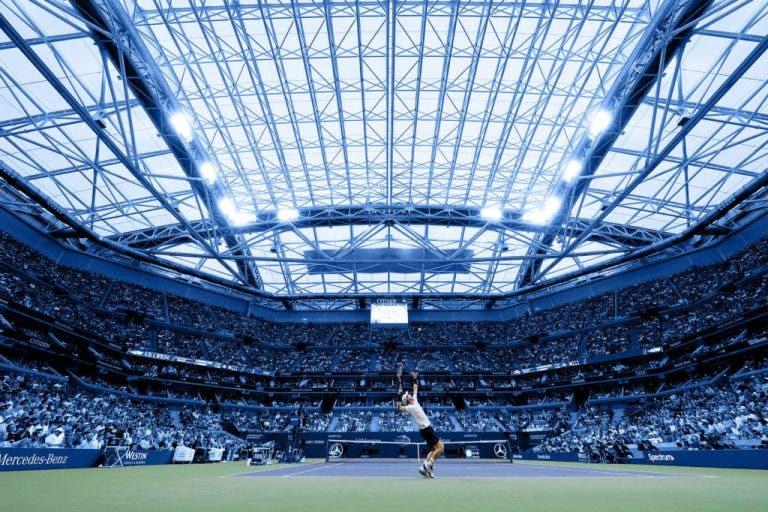 Ruído aumenta com o teto fechado e perturba os jogadores, diz Murray