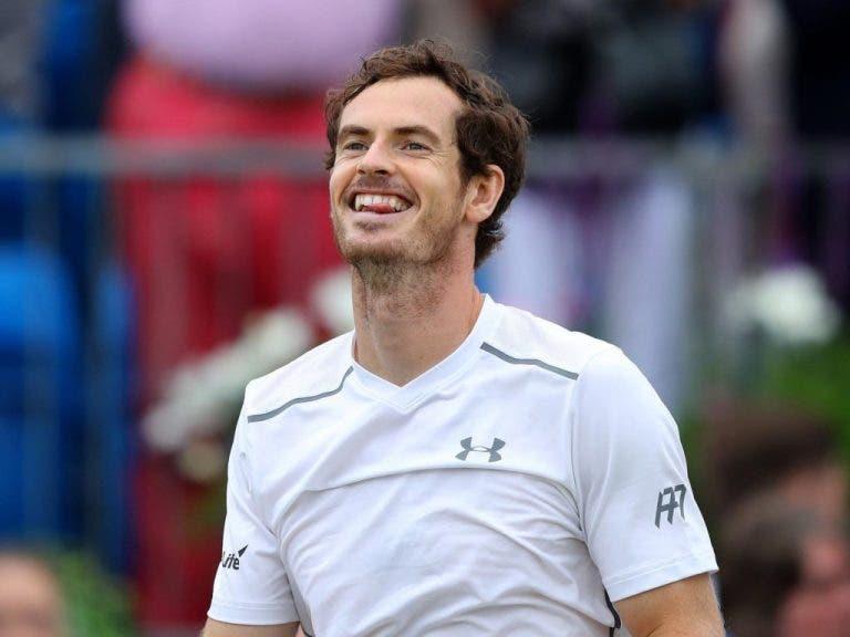 Murray desfila no Centre Court num dia em que Nishikori, Cilic e Tsonga também avançam em Wimbledon