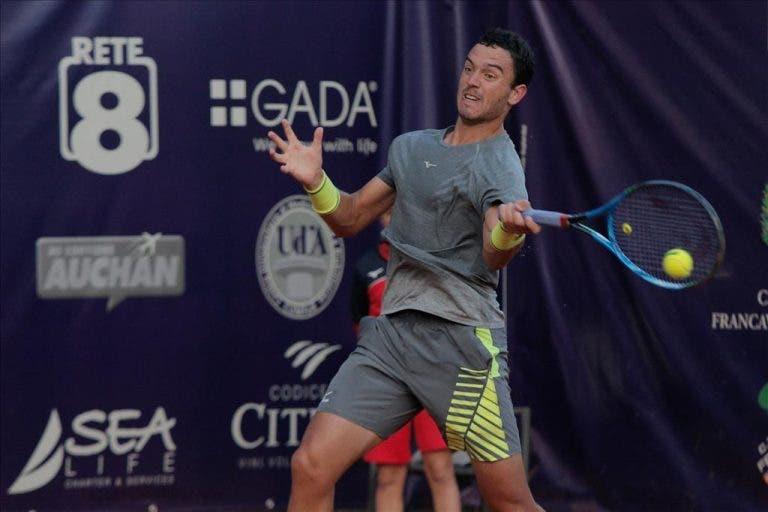 Gonçalo Oliveira perde batalha para 'qualifier' e sai de cena nos oitavos de final em Itália