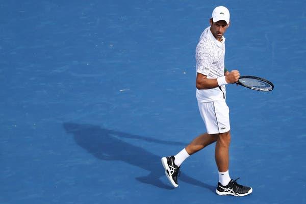 Djokovic para Federer: «És um campeão e é uma honra partilhar o court contigo»