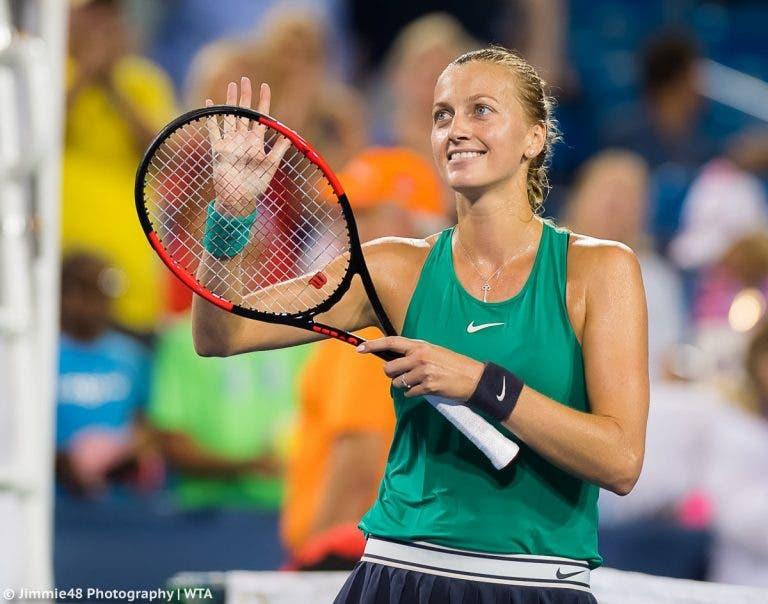 Kvitova e Barty vencem e marcam encontro na final em Sydney