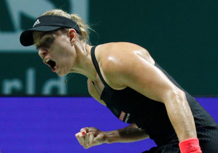Kerber complica mas derrota Osaka em mais uma grande batalha nas WTA Finals