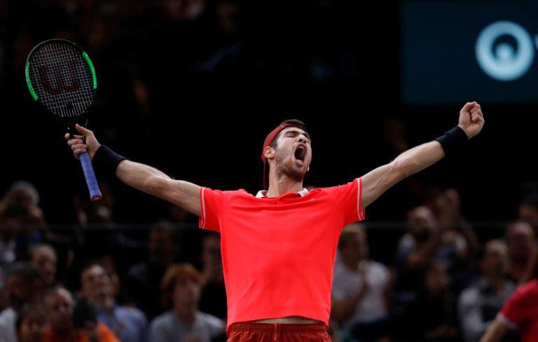 [VÍDEO] O momento em que Khachanov conquistou o título mais importante da carreira