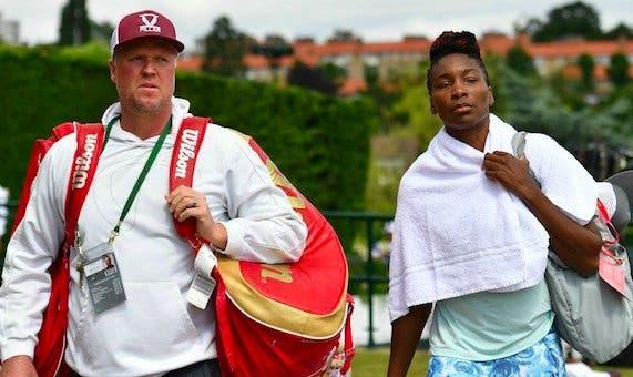 Venus Williams surpreende e demite treinador 11 anos depois