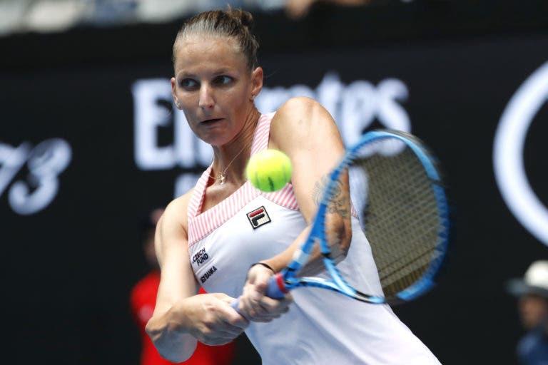 Campeã Pliskova verga Riske e joga com Osaka nas 'meias' em Brisbane