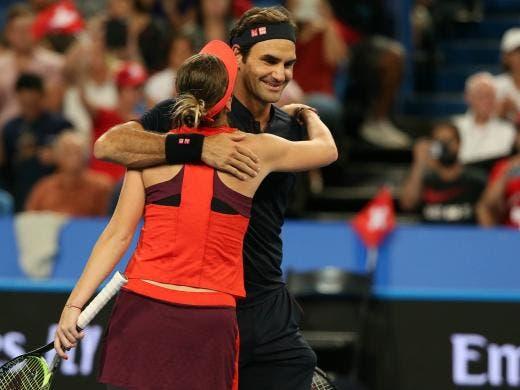 [VÍDEO] O espetacular match point de cortar a respiração que deu o título a Federer e Bencic
