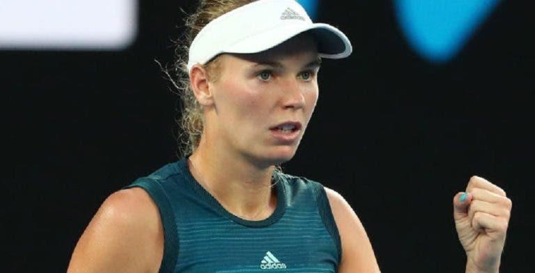 Wozniacki inicia defesa do título com triunfo tranquilo