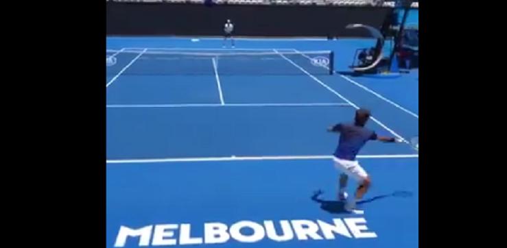 [VÍDEO] Federer e Edmund jogam troca de bolas surreal… num treino em Melbourne