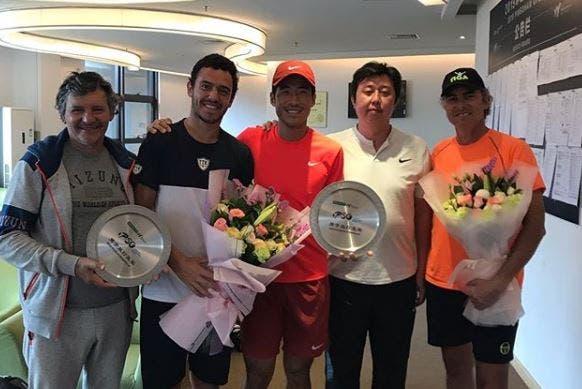 Gonçalo Oliveira novo elemento do top 100 ATP perde final de pares em Shenzhen