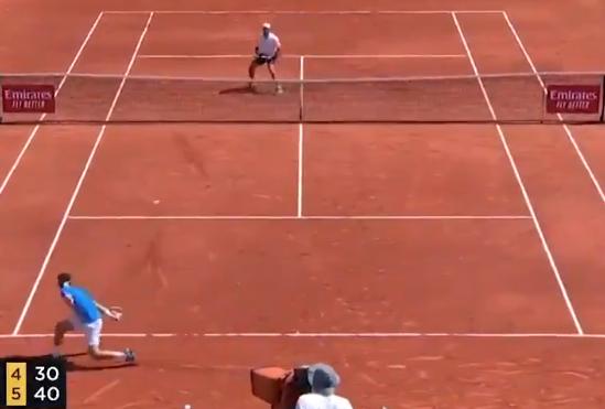 [VÍDEO] Cecchinato foi eliminado em Monte Carlo mas fez um dos pontos do torneio… em pleno set point