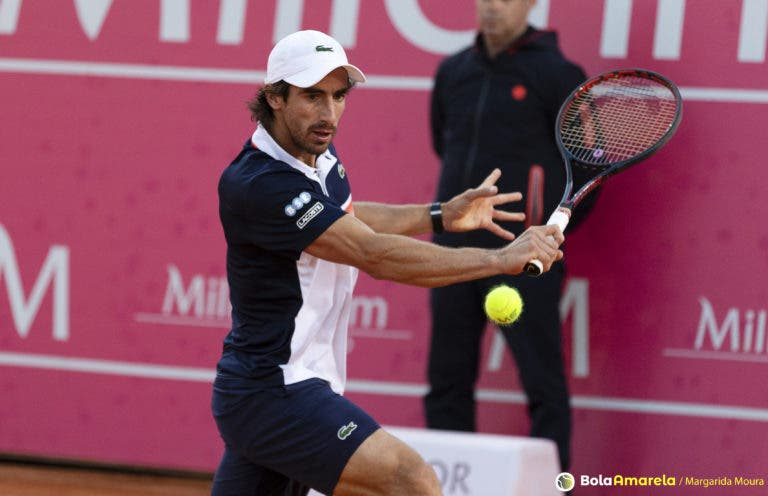[VÍDEO] What? Cuevas faz o shot do ano na final do Estoril Open