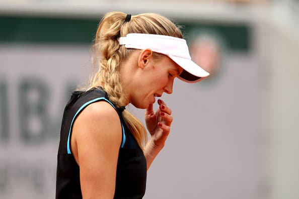 Wozniacki dá pneu… e acaba eliminada; Bertens avança