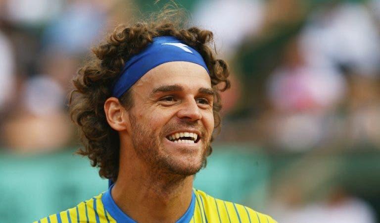 Guga Kuerten: o 'canarinho' que 'limpou' Roland Garros ao ritmo do samba
