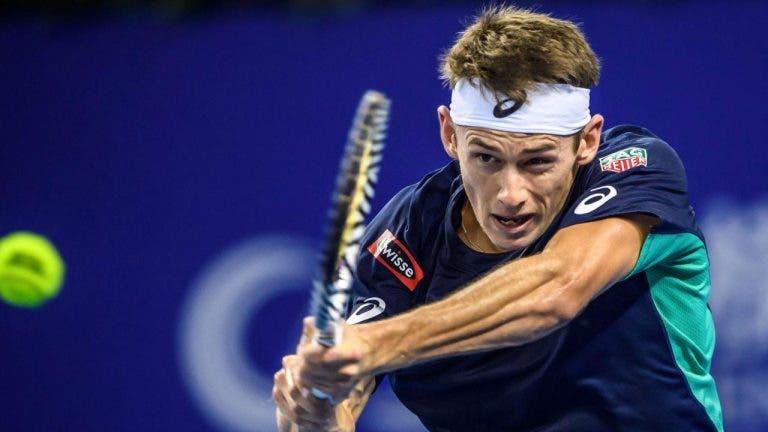 De Minaur desiste do ATP 250 de Adelaide devido a lesão