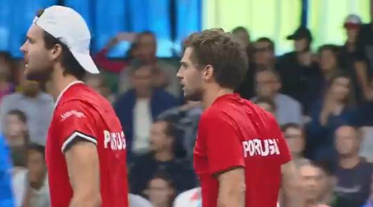 [VÍDEO] O ponto que deu uma vitória muito importante a João Sousa e Pedro Sousa na Taça Davis