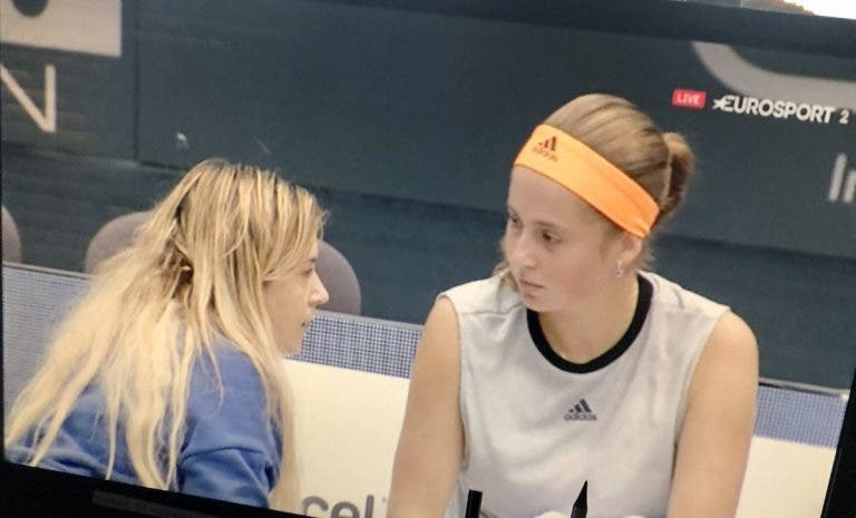 Ostapenko chamou a treinadora ao court e para surpresa de tudo e todos… apareceu Bartoli