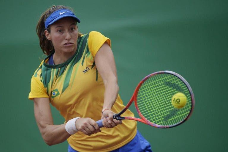 Luisa Stefani apurada para os 'quartos' de pares no WTA do Luxemburgo