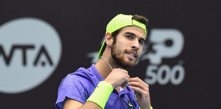 Khachanov: «Não gosto de partir raquetas, pois quando era miúdo os meus pais não podiam comprar-me»