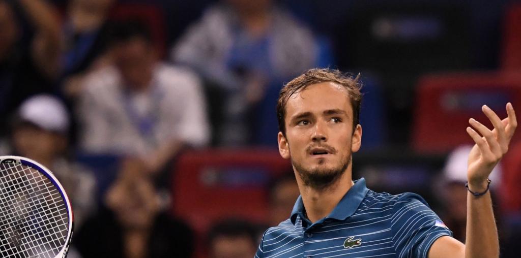 Depois de vencer em Xangai, Medvedev está em dúvida para jogar o ATP 250 de Moscovo