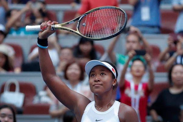 Osaka continua em grande, despacha Wozniacki e defronta Barty na final em Pequim