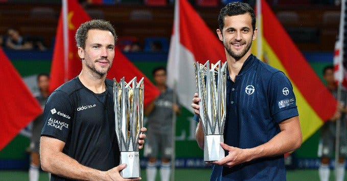 Brasil também ganha: Bruno Soares campeão de pares em Xangai