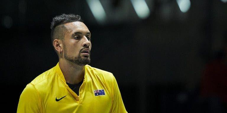 CONFIRMADO: Kyrgios anuncia desistência do US Open em vídeo com 'bocas' para os colegas