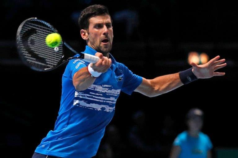 Djokovic faz exibição quase perfeita e arrasa Berrettini no arranque das ATP Finals