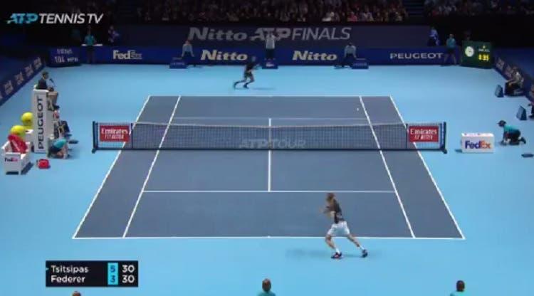 [VÍDEO] Federer e Tsitsipas jogam ponto fabuloso em Londres