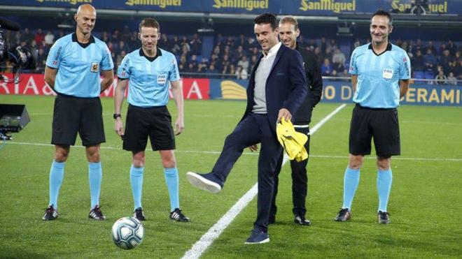 Bonita homenagem: Bautista Agut deu o pontapé de saída do Villarreal vs Atl. Madrid