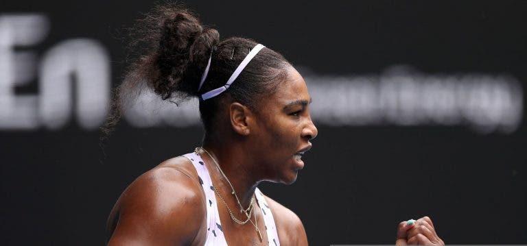 Serena Williams entra com vitória arrasadora em 58 minutos rumo à 2ª ronda do Australian Open