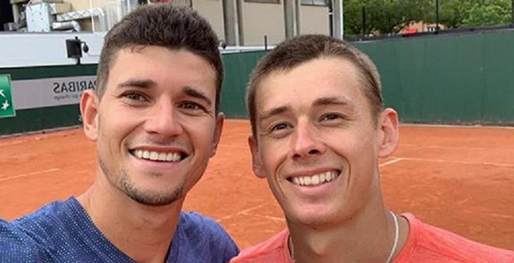 De Minaur joga Australian Open ao lado de amigo espanhol