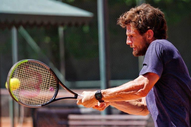 [FOTOS] Pedro Sousa treinou sem a perna esquerda ligada e decide na quinta-feira se joga o ATP de Santiago
