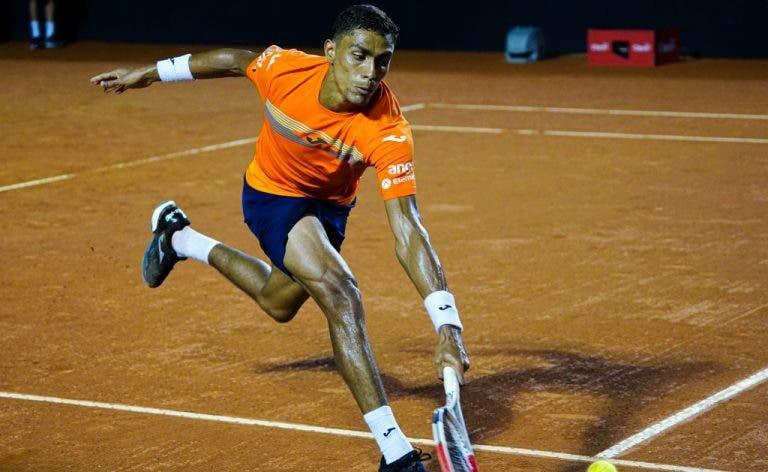 Thiago Monteiro entra a vencer em Santiago com triunfo sobre Mayer