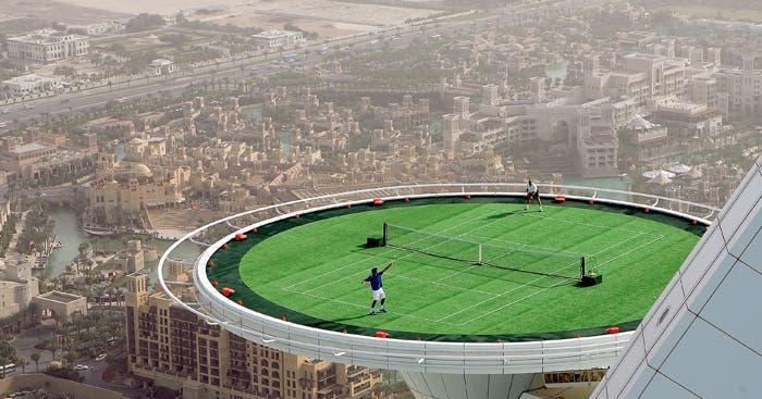 [Vídeo] Há 15 anos, Federer e Agassi jogavam a mais de 200 metros de altitude