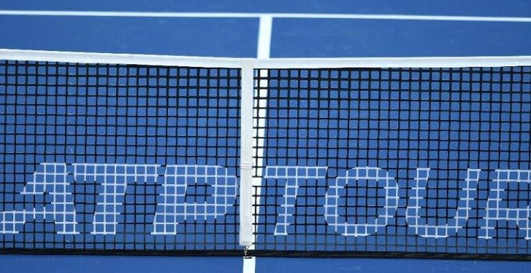 A temer pelo futuro, tenistas assinam petição e pedem ajuda financeira