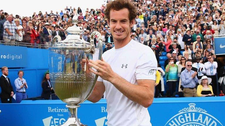 Mas onde se meteu Lendl quando Murray levantou a taça?