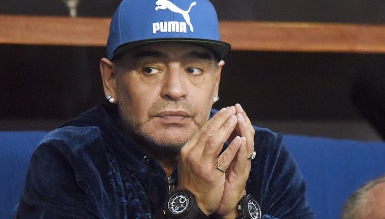 [Vídeo] Maradona dá show e põe em causa o olho de falcão