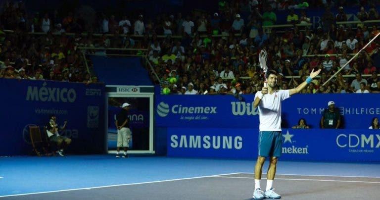 [Vídeos] Djokovic recebe mais de 4 mil pessoas no seu primeiro treino em Acapulco