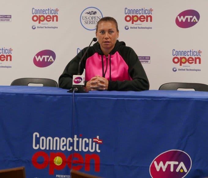 Zvonareva voltou ao WTA, ganhou e… desistiu no mesmo dia