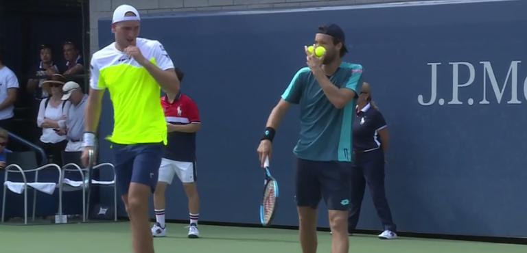 João Sousa ultrapassado por Nick Kyrgios em pares na primeira ronda do US Open