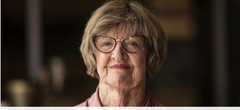 Margaret Court mantém a sua igreja aberta: «Estamos protegidos pelo sangue de Jesus»