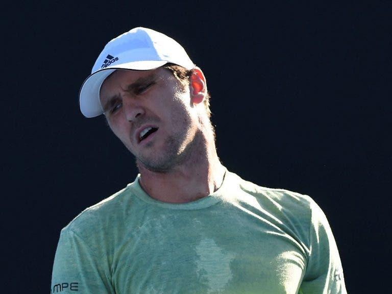 Mischa Zverev é multado em 37 mil euros por fraco desempenho no Open da Austrália