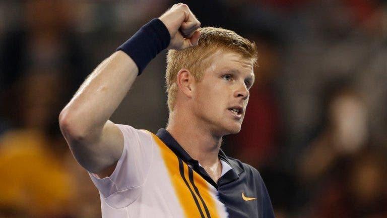 Edmund segue para as 'meias' em Pequim e garante entrada pela 1.ª vez na carreira no top 15 mundial