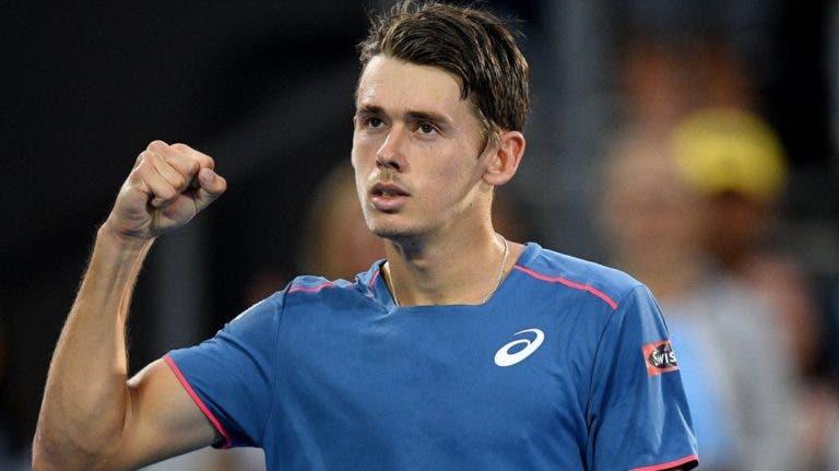 De Minaur é o primeiro jogador nascido em 1999 a ganhar um título ATP