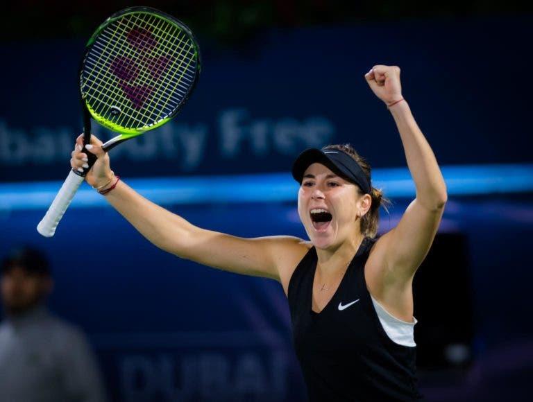 Belinda Bencic vence e aproxima-se da última vaga das WTA Finals