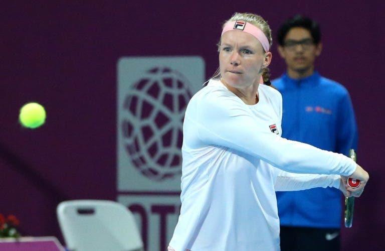 Kiki Bertens perde os sete primeiros jogos mas vira rumo aos 'oitavos' em Doha