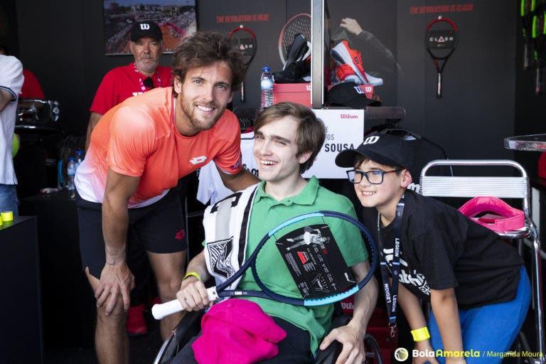 Wilson promove encontro entre João Sousa e dois jovens fãs muito especiais, Tomás e Tiago