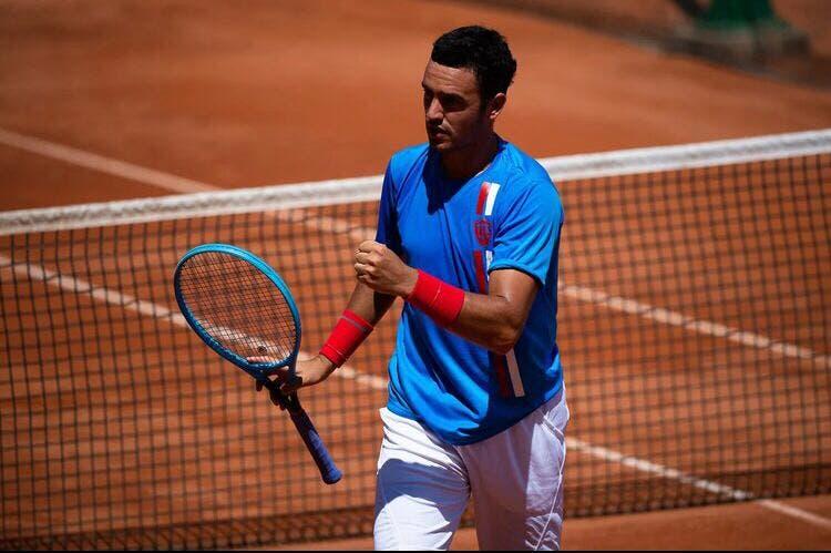 Gonçalo Oliveira triunfa nos pares e garante quartos de final no ATP 250 de Santiago