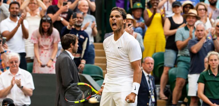 Nadal arrasa Tsonga e está nos oitavos-de-final em Wimbledon