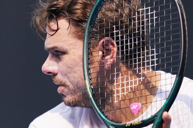 Isner desiste e Wawrinka está nos oitavos-de-final do Australian Open